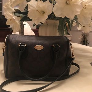 •Auth COACH Crossbody Bag